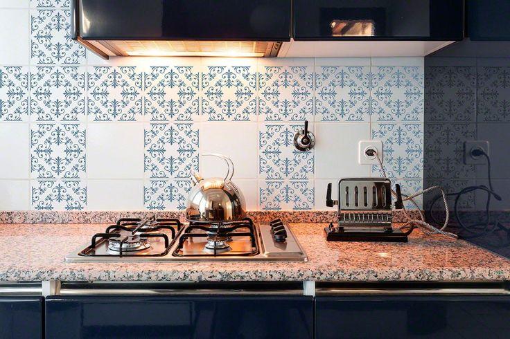 Hobson Blue RETile Decal Clear Bkg 6 inch Tile