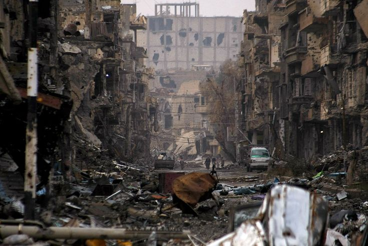 04.01.2014 r., Syria, Deir Ezzor: Ulica w centrum Deir Ezzor. AFP PHOTO / AHMAD ABOUD