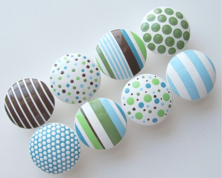 I could do this with the knobs for the baby's dresser!