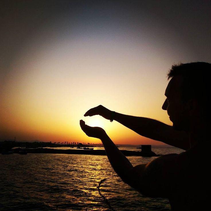 Csodás volt az első nap Egyiptomban! :) Meg akartam fogni hogy ne menjen olyan gyorsan le a nap... :) Nah majd holnap máshogy próbálom. ;)