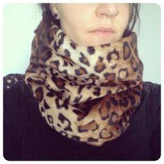 Snood / tour de cou / echarpe tube / col adulte motif léopard doublé polaire