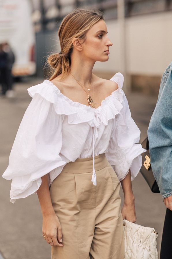 Amazing Street style at Sydney's 2019 Fashion Week Cruise Photo credit: Sandra …