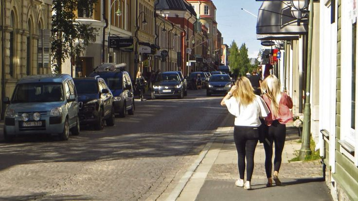 Polisen: Flera mörkhyade våldtäktsmän härjar i Östersund – två kvinnor våldtagna i helgen.