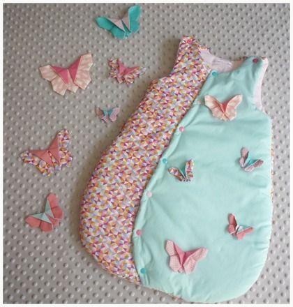 Gigoteuse, turbulette 0-6 mois  Pour que bébé puisse passer une bonne nuit bien au chaud  avec cette gigoteuse ouatiné en coton  Tissus dessus triangle multicolore et uni b - 14783355