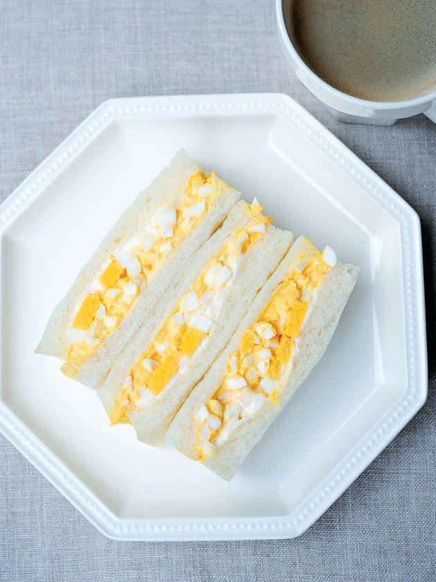 卵の切り方は2種類! 食感違いがおいしさの秘密|『ELLE a table』はおしゃれで簡単なレシピが満載!