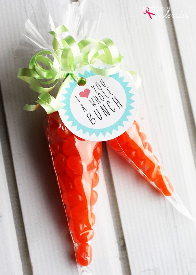 A tutorial for how to create carrot treat bags using cone cellophane bags, jelly beans and curling ribbon. Perfect for filling Easter baskets!