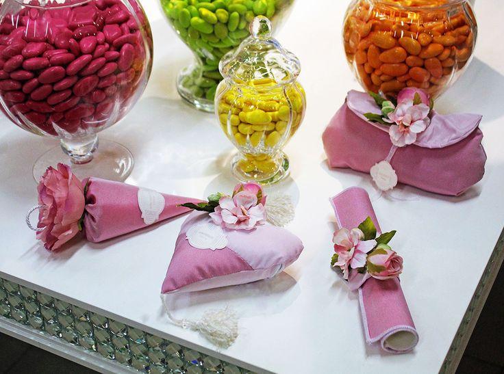 Set di #bomboniere rosa RDM design più #confettata colorata.