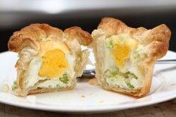 Egg in a basket, a super recipe for Easter brunch