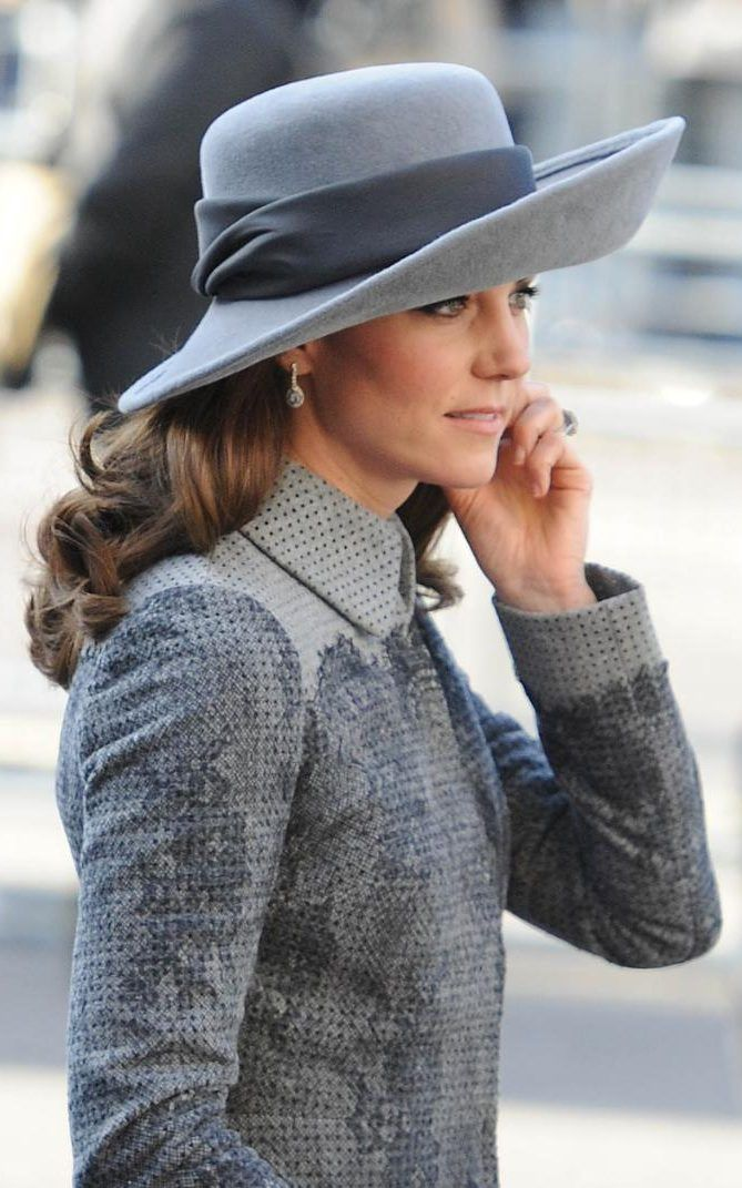 Kate in hat