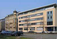 Technische Informatik, M.Sc.   Ruprecht-Karls-Universität Heidelberg Die Technische Informatik ist ein spannendes Gebiet an der Schnittstelle von Informatik, Elektrotechnik, Mathematik und Physik. Sie beschäftigt sich z.B. mit der Architektur, dem Entwurf und der Realisierung von Rechnern, Kommunikationsnetzen und eingebetteten Systemen auf Hardwareebene und der Erstellung von Hardware-naher Software.