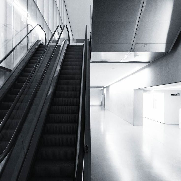 -- TO THE NEXT FLOOR -- [#albertosierra_mobilephotography]
