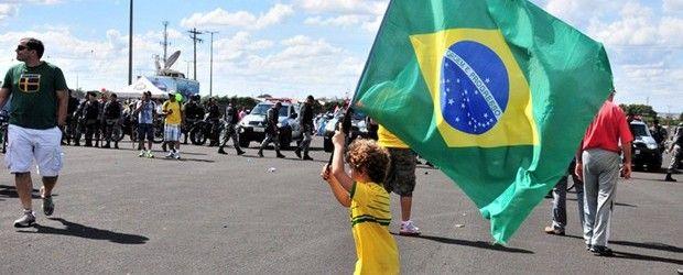"""""""Vamos educar empreendedores! Precisamos investir nas pessoas que vão fazer as mudanças que queremos que aconteçam no Brasil"""" - See more at: http://startupi.com.br/2015/10/vamos-educar-empreendedores-precisamos-investir-nas-pessoas-que-vao-fazer-as-mudancas-que-queremos-que-acontecam-no-brasil/#sthash.SFmEsBpZ.dpuf"""