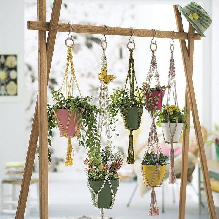 Mobilier suspendu : 6 DIY gain de place, suspension en macramé - Hanging furniture :  6 DIY  - hanging flowers / Marie Claire Idées