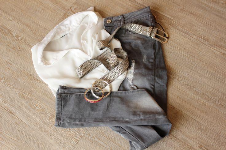 Wir lieben diesen b.belt #Gürtel in Kombinationen mit einer #Jeans! Der #Ledergürtel verleiht jedem #Outfit einen ganz besonderen Glanz (: #Handmade in Germany! ☺️❤️ #belt #modeherz #style# Fashion #ootd #photooftheday