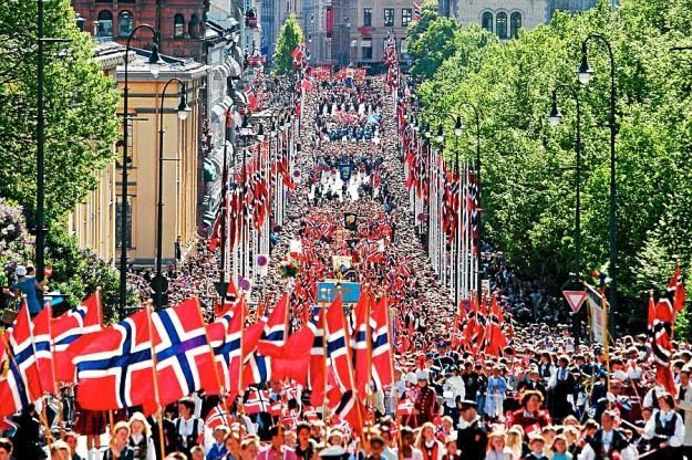 Oslo, Norway. About 1991. We went to Oslo with my football team on a training camp.  #17 mai #Oslo #Karl Johan