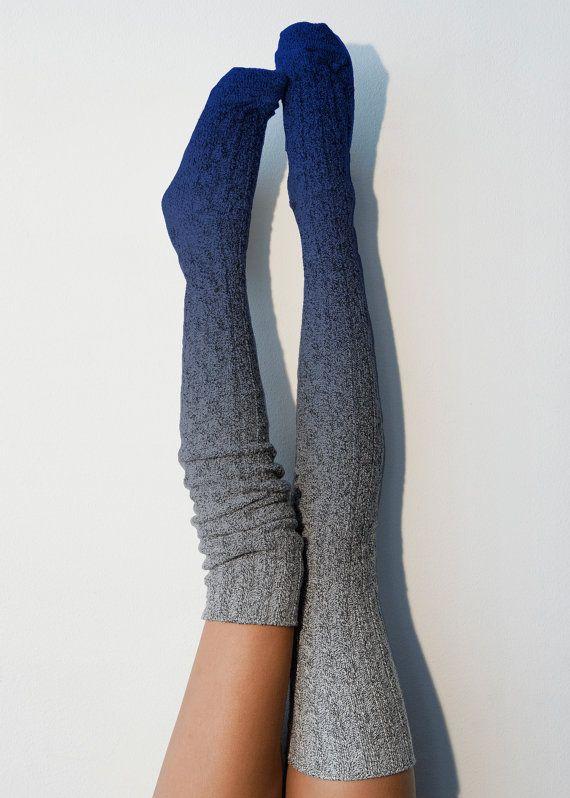 Tinte de la inmersión azul Marled Cable Knit muslo alto medias alta