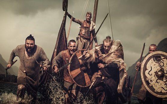 Los nombres vikingos provienen de las lenguas nórdicas y escandinavas que han dado lugar a idiomas de la actualidad como el sueco, el finlandés o el danés.Muchos de estos nombres están inspirados en la mitología nórdica o en los dioses de los vikingos.Curiosamente, los niños vikingos...