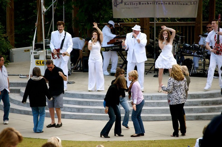 Wind Down Wednesdays at Heritage Green!  Perfect way to unwind after work in the heart of Sandy Springs!