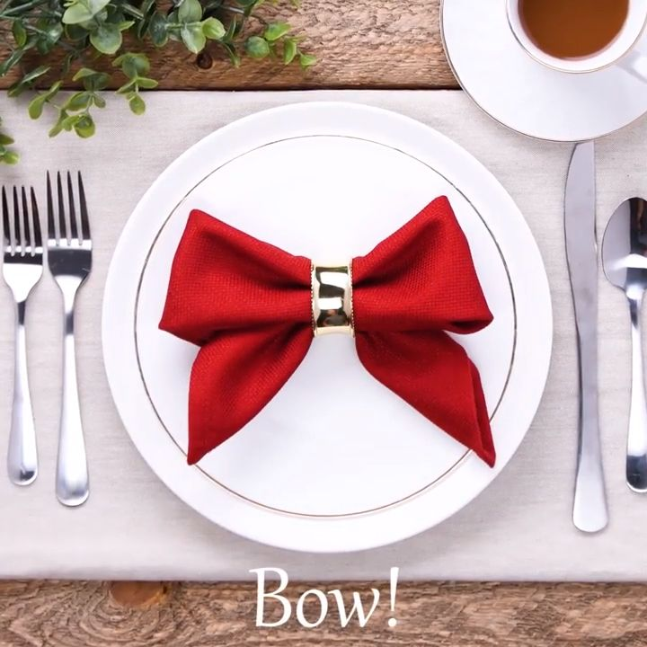Impress your guests with these incredible napkin folds – table design