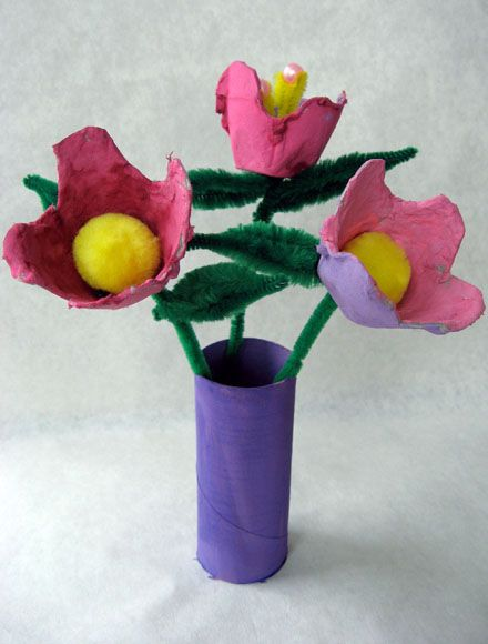 Recycled Craft Idea - Egg Carton Flowers to welcome spring from Skip to my Lou