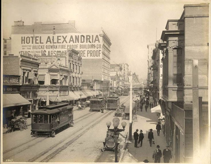 Spring Street in 1906, the year the Alexandria Hotel opened. (CA State Library).  Bizarre Los Angeles.