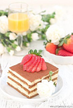 Dziś mam dla Was kolejną propozycję ciasta z Advokatem. Tym razem jest to ciasto bez pieczenia, z budyniową masą advokatową i kakaowymi herbatnikami. Pomijając