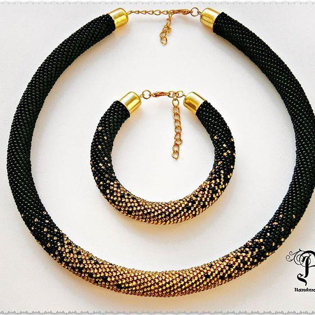 Комплект с плавным переходом цвета выполнен на заказ. #жгутизбисера #жгут #браслет #колье #украшенияручнойработы #украшение #вязание #handmade #jewelry