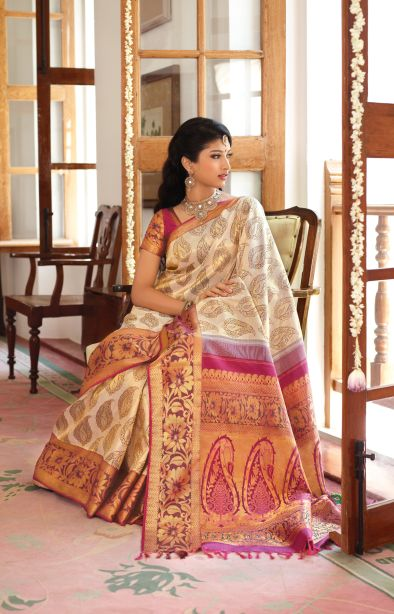 i'm falling in love with traditional south-indian silk sarees all over again!!