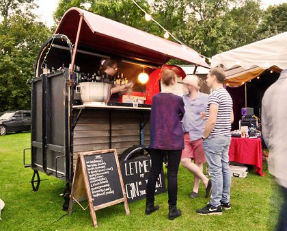 The Gin Box Horsebox