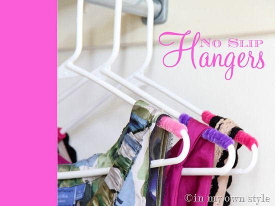 No-slip clothes hanger trickPipecleaners, No Slip Hangers, Organic, Good Ideas, Pipe Cleaners, Tricks, Diy, Clothing Hangers, Crafts