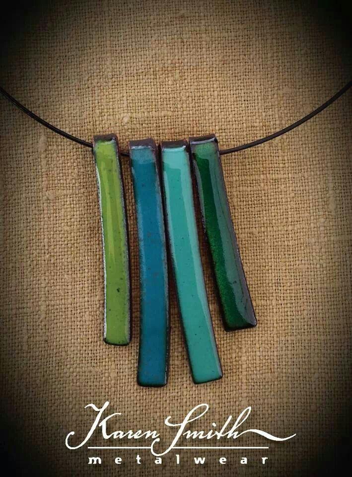 Lindo y simple collar esmaltado