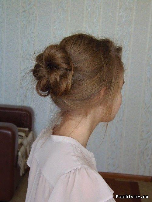 Попробуем повторить самые простые прически для длинных волос