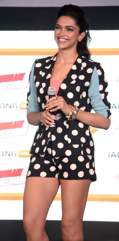 310 best deepika padukone images on pinterest bollywood actress deepika padukone at yeh jawaani hai deewani new collection launch by jabong voltagebd Gallery
