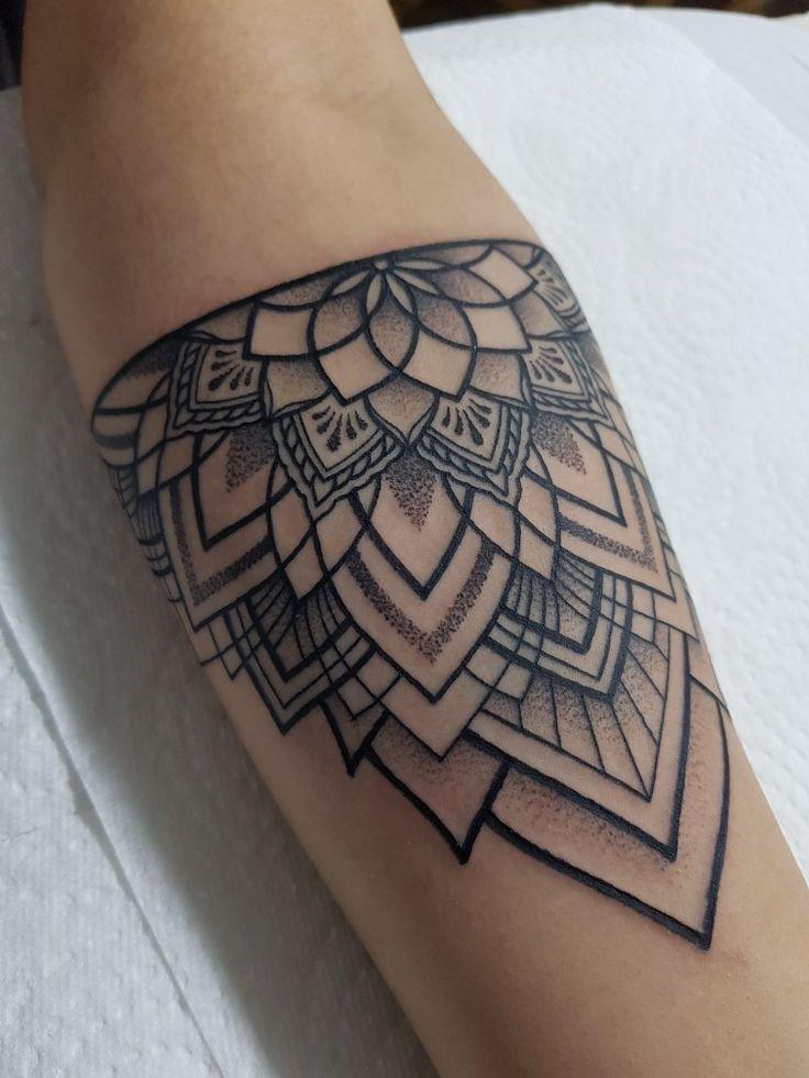 Tattoo by greg #mandala #dotwork – Elif Turan