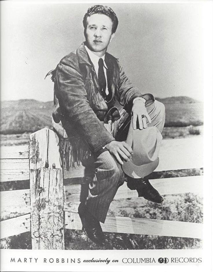 Marty Robbins – Singing The Blues (1956). Aparece en las listas de exitos repetidas ocasiones durante medio siglo.