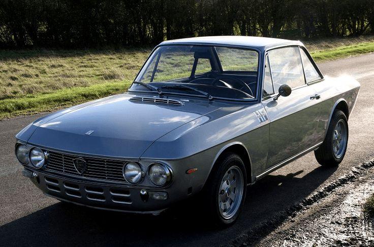 Deze Lancia Fulvia Coupé 1.3S uit 1975 betreft een model uit de serie 2A en wordt te koop aangeboden in Engeland door Targa Florio Classics. De eerste...