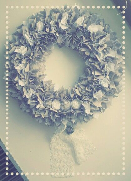 Wreath in grey