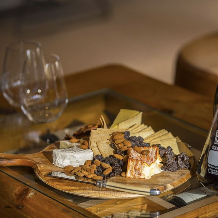 Cheesy goodness combined with nuts, crackers and tasty wine! Find all this and more in McLaren Vale only a 40 minute drive from Adelaide, South Australia. Click on the image to discover our guide to the best wineries to visit.