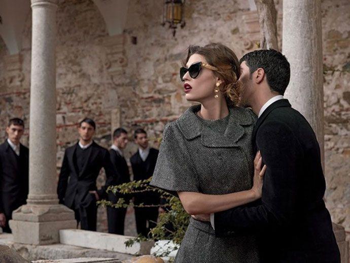 Бьянка Балти в солнцезащитных очках Dolce & Gabbana