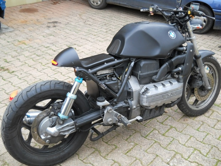 bmw k100 noir mat.  This is totally going to be my next bike project.