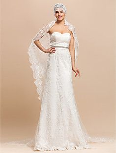 Like this kind of 20s, hippie fusion style of pinning the veil