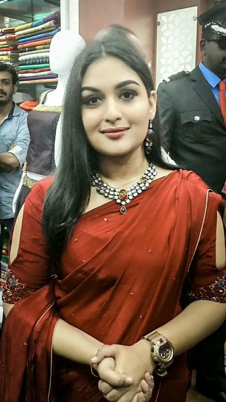 Wife sari sex kiss
