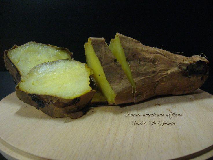 Patate americane al forno Esistono decine di varietà di patate dolci, o batatas, radici conosciute soprattutto negli Stati Uniti. La loro pelle può variare