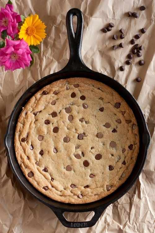 Skillet Chocolate Chip Cookie #cookie #chocolatechip