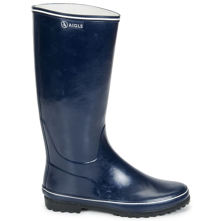 A pair of navy Wellington boots by Aigle will keep your feet dry and warm no matter what the weather is like! #shoes #boots #wellies #rubberboots #tallboots #aigle #navy #blue