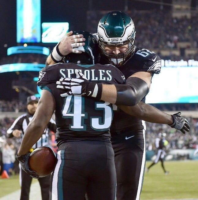 Philadelphia Eagles RB/KR Darren Sproles & C Jason Kelce