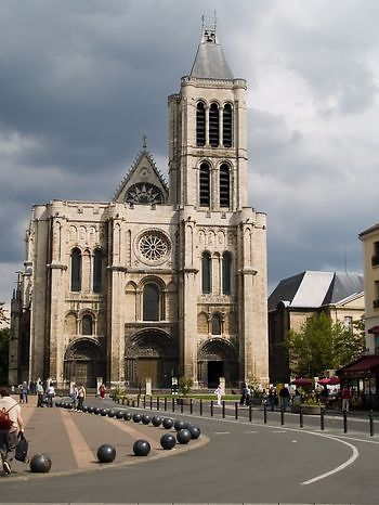 """St-Denis Basilica - Paris, is notable for its Gothic architecture and for being the burial site of French monarchs, which makes it comparable to Westminster Abbey in England.The Abbey of Saint Denis was the burial site of the kings of France for centuries and has thus been referred to as the """"royal necropolis of France."""" All but three of the monarchs of France from the 10th century until 1789 have their remains here. The abbey church contains some fine examples of cadaver tombs."""