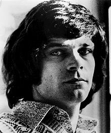 Billy Joe B. J. Thomas (born August 7, 1942, Hugo, Oklahoma) is an American popular singer. He is known for his hits of the 1960s and 1970s, which appeared on the pop, country charts.
