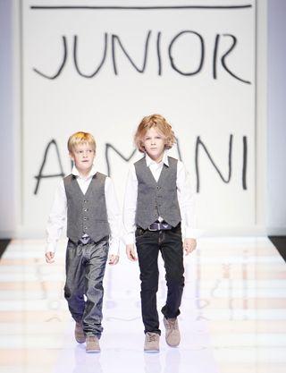 Moda Elegante y Glamorosa Para Niños y Niñas: Armani Junior Kids- Niños Niñas-