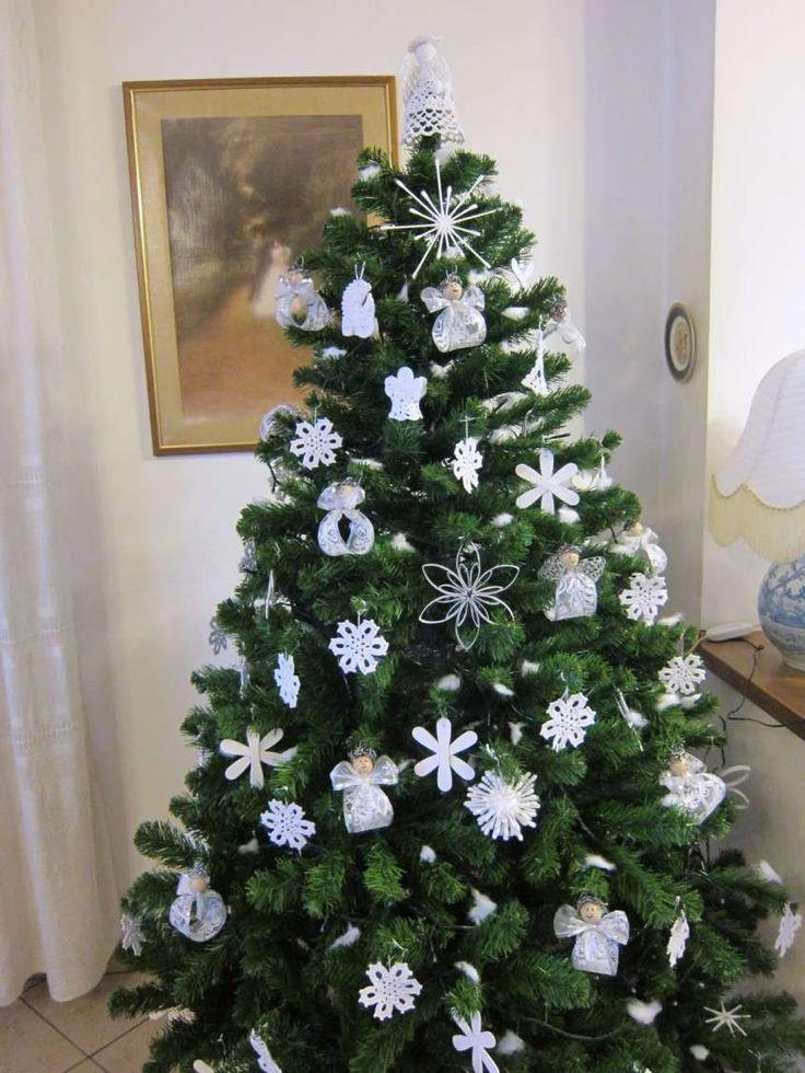Decorazioni fai da te per l'albero di Natale - Albero di Natale bianco e verde